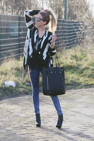 Nancy Mode cardigan - black ankle boots van haren boots