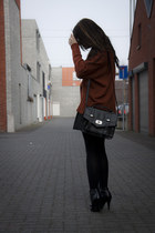 brick red vintage sweater - black Primark bag