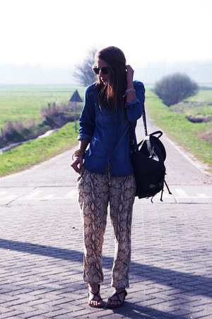 camel snake skin hm pants - black backpack vintage bag