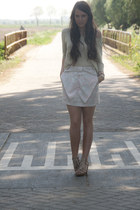neutral hm top - light blue hm skirt - neutral hm heels