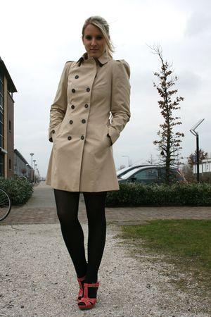 beige trench coat zara coat