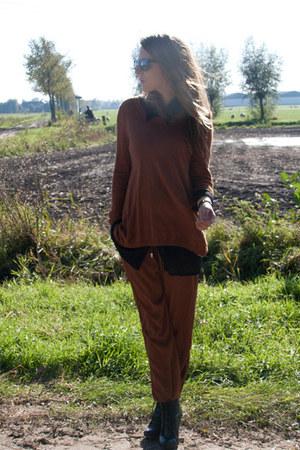 black vintage shoes - dark brown H&M sweater - dark brown H&M pants
