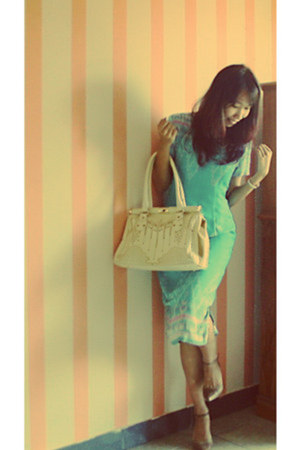 aquamarine dress - cream Chloe bag - brown Coconel heels
