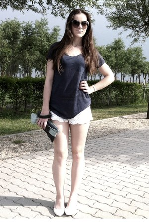 white lace shorts - sunglasses - navy linen top