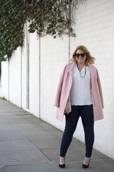 Rocksbox necklace - light pink Express coat - navy Forever 21 jeans