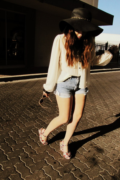 red Urban Outfitters wedges - sky blue vintage levis shorts