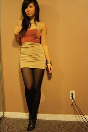 Bebe dress - Forever 21 stockings - Forever 21 shoes - Forever 21 accessories