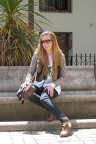 Purificacion Garcia blouse - Pepe Jeans vest - BLANCO cardigan - Fornarina pants