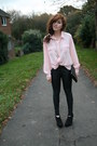 Light-pink-vintage-blouse-black-topshop-pants-black-new-look-shoes-gold-do