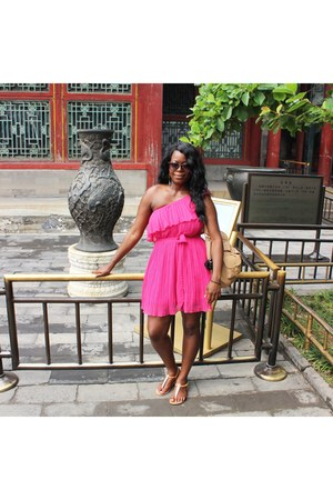 bubble gum dress - hot pink pleated H&M dress