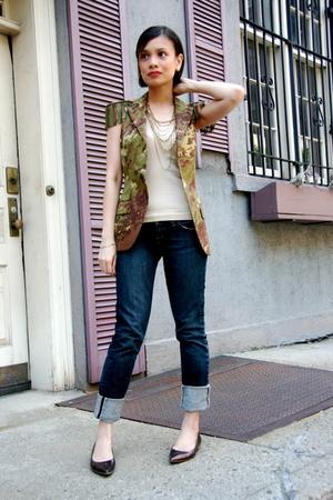 vest - jeans - shoes