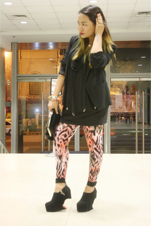 orange Thrift Store leggings - black Mango blazer - black Thrift Store bag