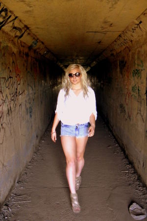 white shirt - beige shoes - blue Topshop shorts - white