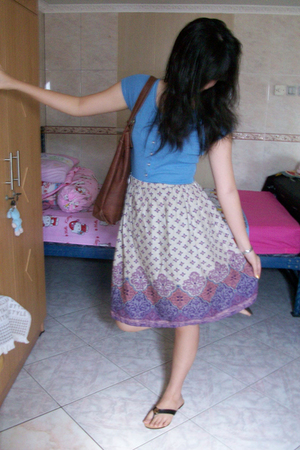 Gap top - outlet in Bandung skirt - vnc accessories - sogo accessories