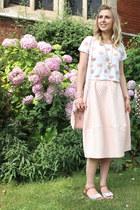 midi Topshop skirt - pink milkman Brit-Stitch bag - white cut out asos sandals