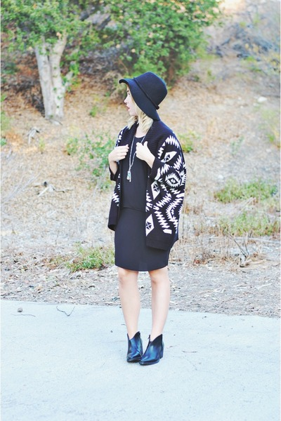black Liberty Sage dress - black floppy hat free people hat