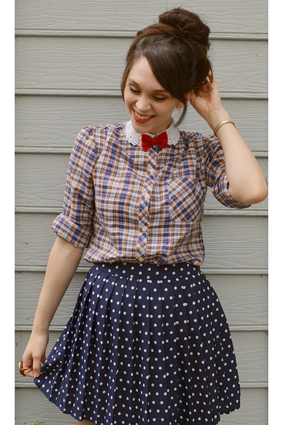 navy thrifted plaid shirt - navy Forever 21 skirt - red hair accessory