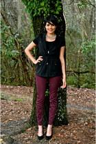 gold Zara necklace - maroon Zara jeans - black stuart weitzman heels