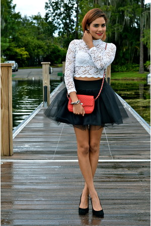 white H&M top - black Blisstulle skirt
