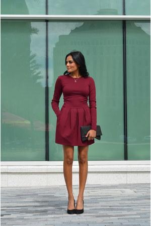 silver Racheal ryen necklace - brick red Aritzia dress