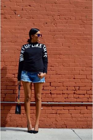 black H&M sweatshirt