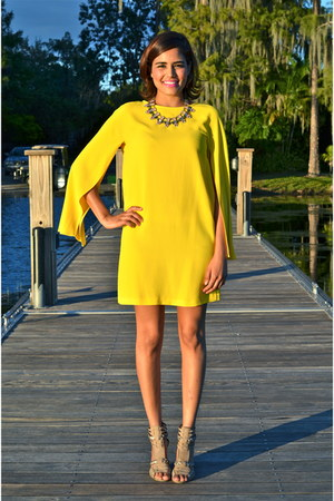 bubble gum Shamelessly Sparkly necklace - yellow Zara dress