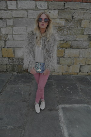 cream new look blouse - cream faux fur Zara coat - pink Topshop jeans - H&M bag