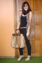 brown Zara belt - Zara shoes - black Levis jeans - black Terranova top