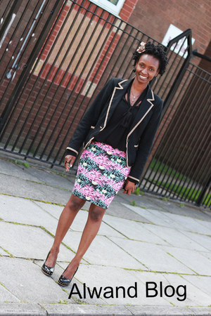 skirt - blazer - heels - blouse