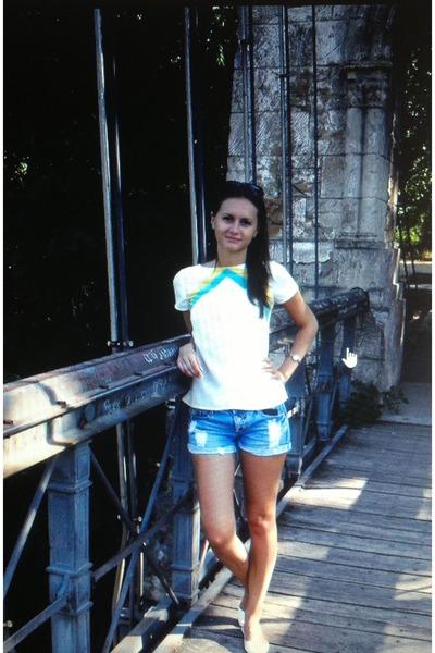 white Bershka blouse - blue H&M shorts