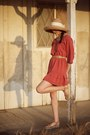 Brick-red-alyssa-nicole-dress-light-brown-white-ribbon-hat-bronze-platform-u