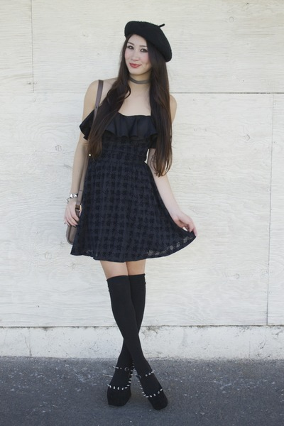 black Alyssa Nicole dress - black beret hat
