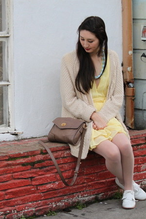 beige cable knit Urban Outfitters cardigan - white oxfords Steve Madden shoes