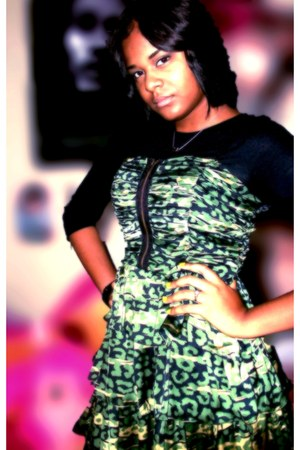 army green Forever 21 Twist dress - black derek heart shirt