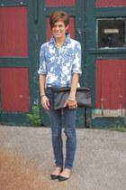 sky blue shirt - jeans - black bag - black flats