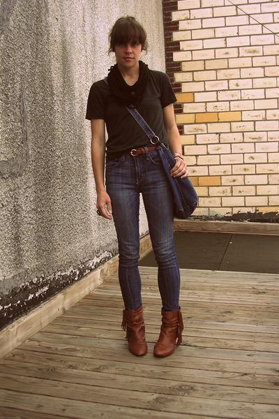 American Apparel t-shirt - BDG jeans