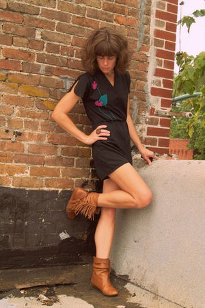 black Vintage romper - Steve Madden boots