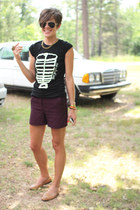 magenta shorts - black Red Velvet Art t-shirt - tan loafers
