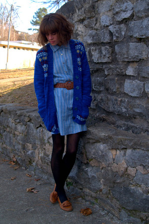 blue vintage dress - vintage cardigan - brown Cole Haan loafers