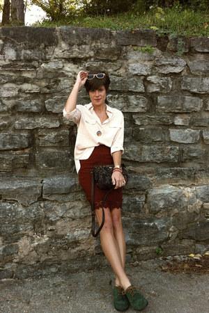 brick red united colors of benetton skirt - dark green shoes - liz claiborne bag