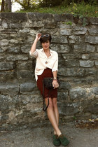 brick red united colors of benetton skirt - dark green shoes - liz claiborne bag