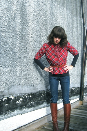 vintage boots - vintage blouse - seven for all makind jeans