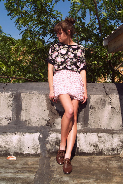 vintage blouse - Target skirt - vintage shoes