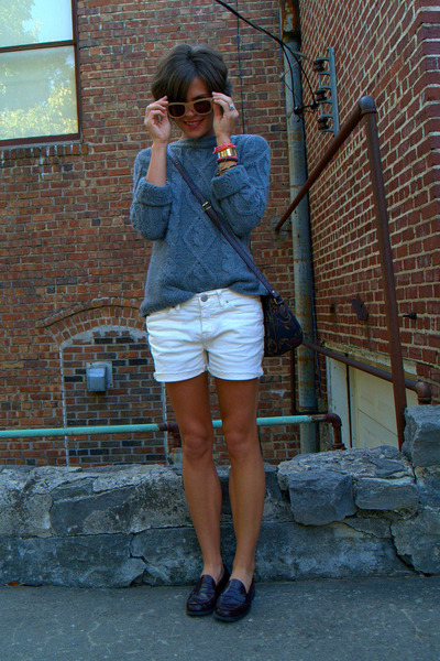 heather gray thrifted St Johns Bay sweater - ivory diy BDG shorts