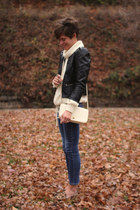 ivory vintage sweater - Gap jeans - black H&M jacket - ivory vintage bag