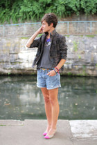 Levis shorts - beige shoes - army green blazer - navy top
