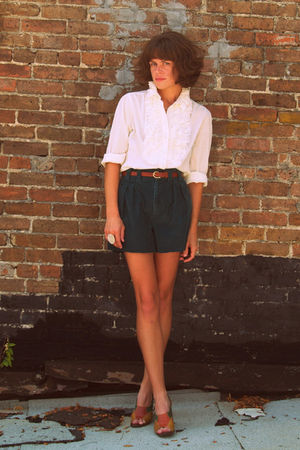 vintage blouse - thrifted shorts - vintage shoes