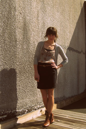 Forever 21 blouse - vintage jordache skirt