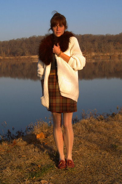 vintage cardigan - vintage scarf - thrifted skirt - American Apparel t-shirt - t