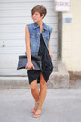 Black-gap-dress-blue-jacket-black-bag